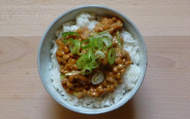 納豆 NATTO –  Fermentierte Sojabohnen