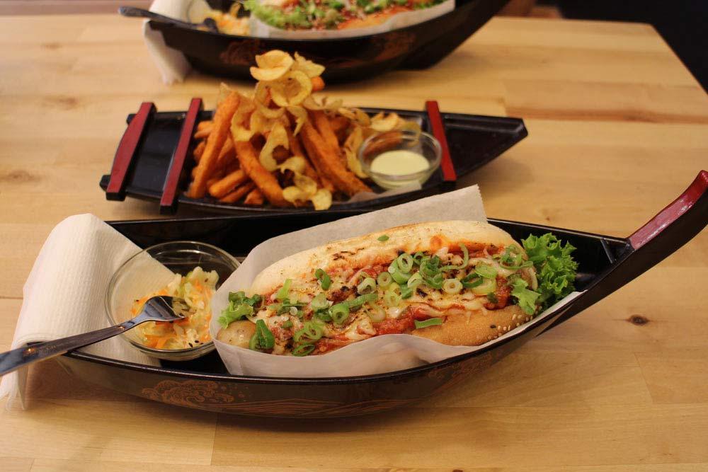 Oishii Hot Dog - Dogzilla