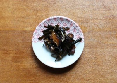TSUKUDANI – 佃煮 – Kombualgen und Shitakepilze