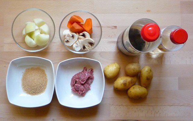 NIKU SOBORO JAGA - Kartoffeln mit Rindergehacktem