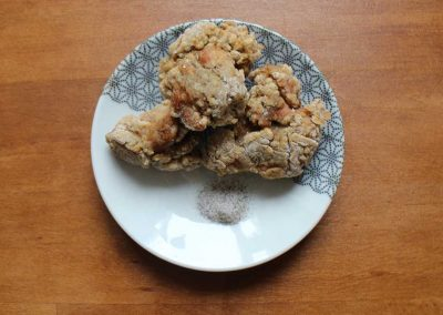 Hausgemachtes Karaage – knusprige Hähnchenstücke
