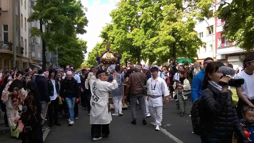 Mitsingen auf dem Karneval der Kulturen: Noe bushi – ノーエ節